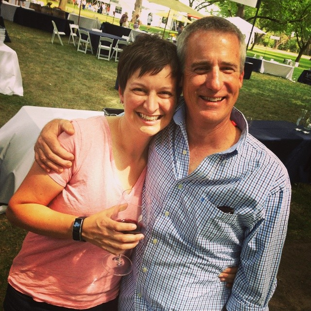 Me and Tom @howellmntman at the Taste of Howell Mounrain! @thehowellmonk @winelovermom @rudyzuidema #redcapvineyards #howellmountain  (at Charles Krug Winery Home Winemakers Classic)