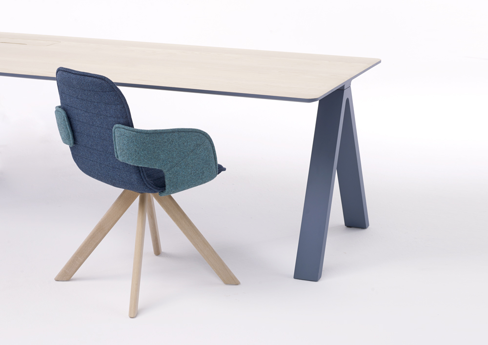 Although known for their tables, Arco also makes related products such as chairs, closets, small furniture and accessories. Pictured here: the Flux chair, a contemporary chair with a modern and extremely comfortable construction, versatile and affordable.
