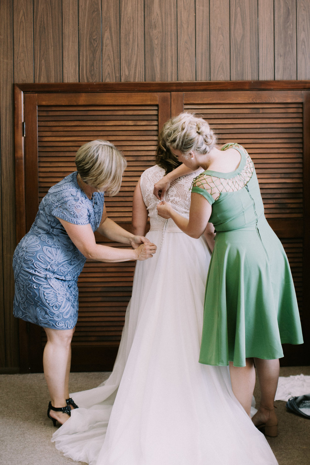 Adorable and lively St. Louis wedding at Ninth  Ashley Pieper Photography, St. Louis  documentary Wedding photographer for the genuine couple in love.