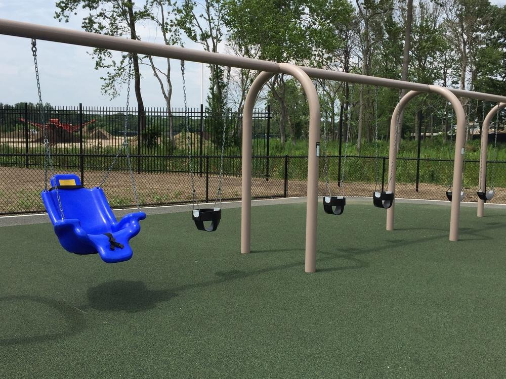 Swings at Geiger Memorial Park