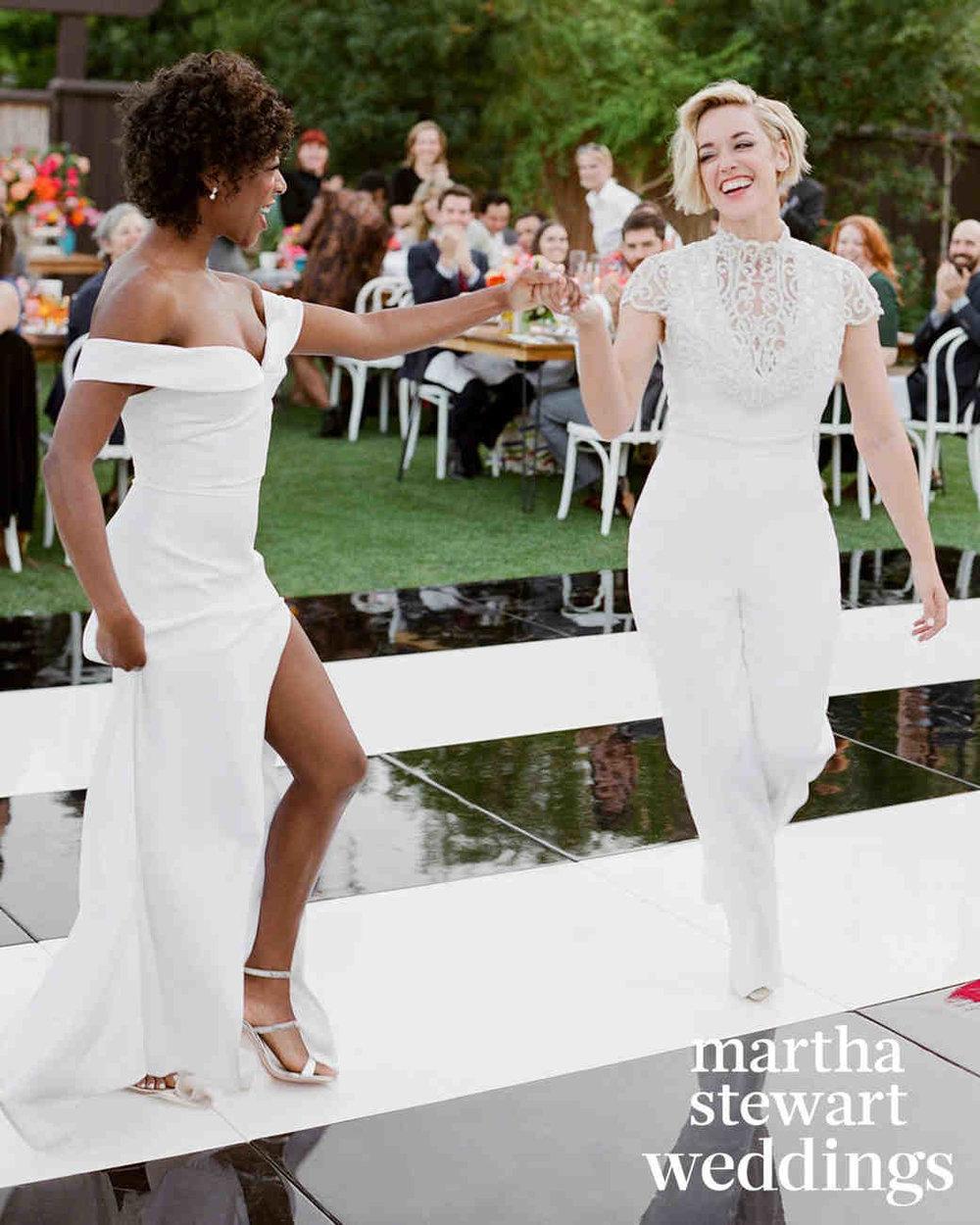 samira-wiley-lauren-morelli-wedding-dancing-282-6328713-103018699_vert.jpg