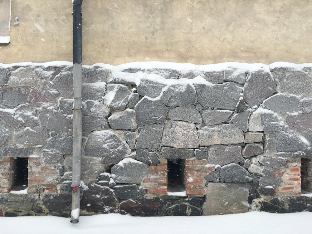 Suomenlinna snow and stone / 24 Jan 2016