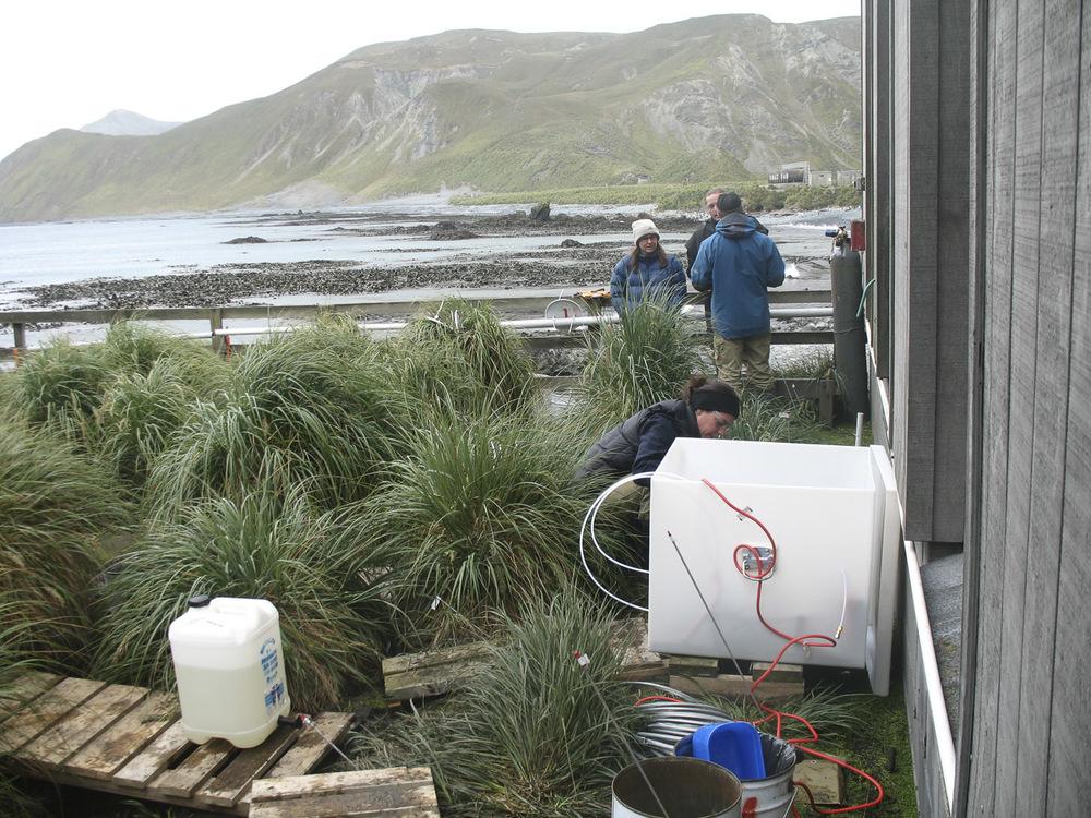 Installing microsparging apparatus at Main Power House (MPH) contamination site. Photo: Josie van Dorst