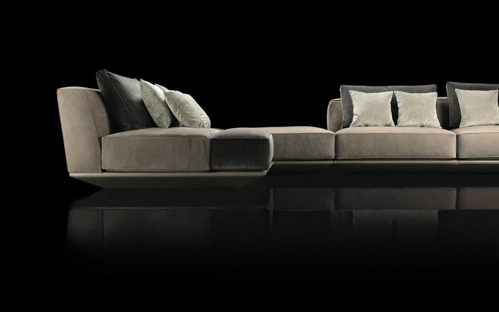 legio_henge_5_hypnose_sofa1.jpg