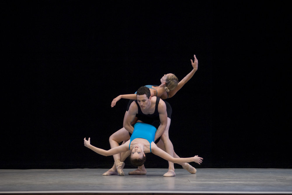 Marie-Claire Silfer, Peter Snow and Victoria Cooper in 'Syntax' for Tivoli Ballet
