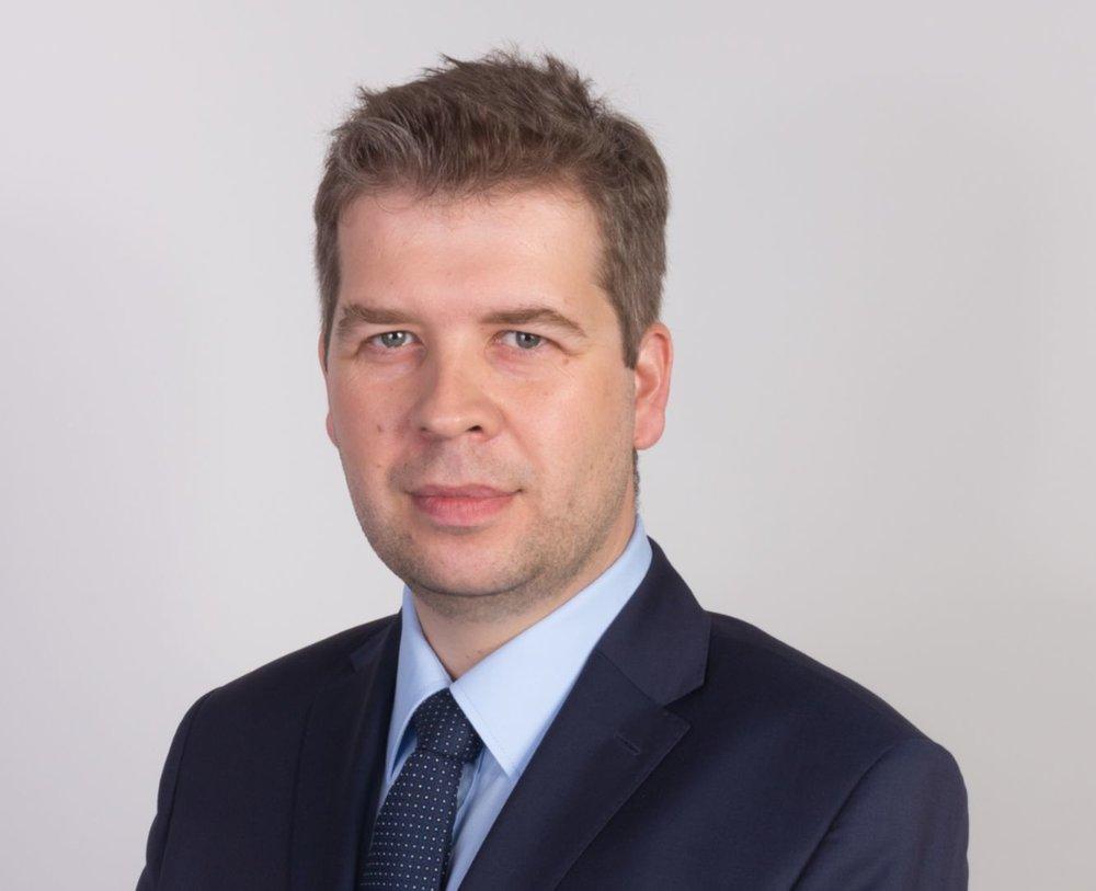 Tomasz Chwiałkowski, dyrektor zarządzający w funduszu Aligo Capital Sp. z o.o., który specjalizuje się w przedsięwzięciach z obszaru zaawansowanych technologii, medycyny, chemii, OZE, ochrony środowiska, biotechnologii oraz IT/ICT.