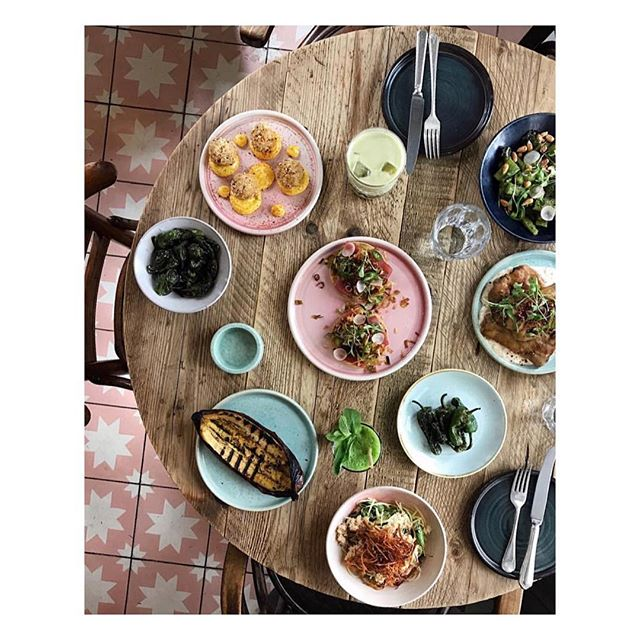 Friday lunch goals #summervibes #chicamalondon via @stevenfingar