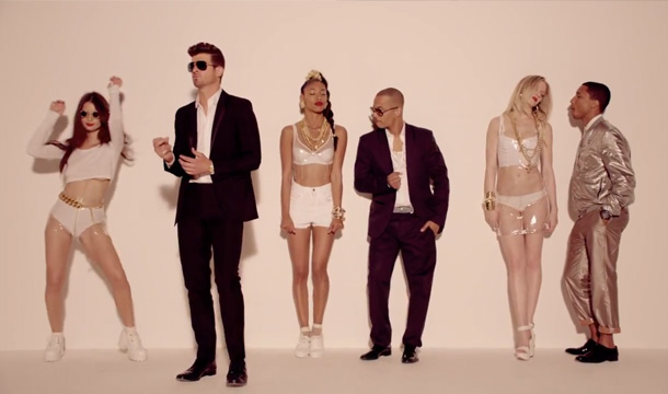 "Robin Thicke - ""Blurred Lines"" video still"