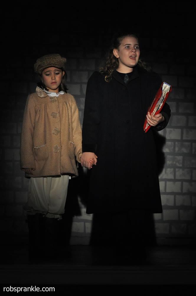 Olivia (L) and Liberty Broussard as
