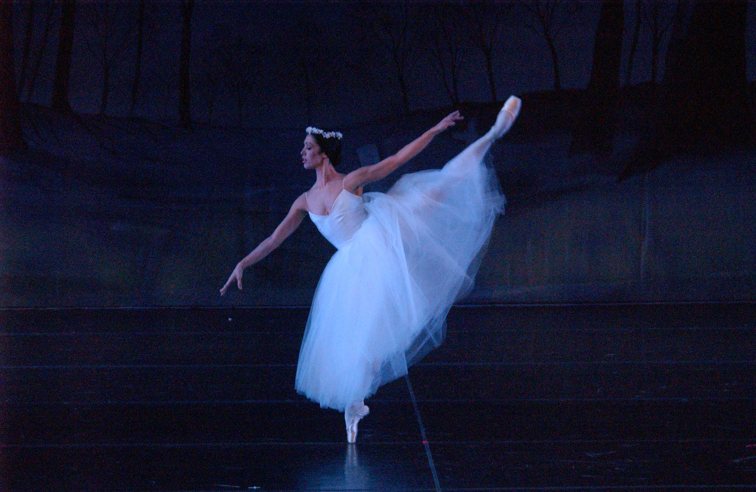 Columbia City Ballet Principal Dancer Regina Willoughby as Giselle