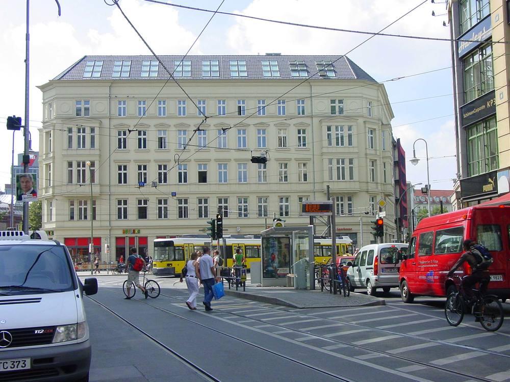 Neue Promenade 3, Hackescher Markt 4, Große Präsidentenstraße 10 Berlin.jpg