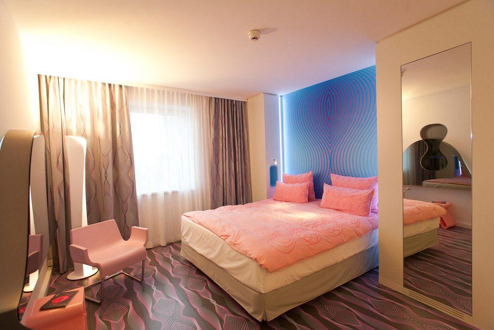 13 nhow Hotel Berlin Zimmer 3.jpg