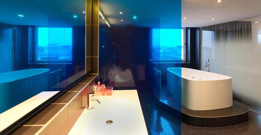 16 nhow Hotel Berlin  Bad der Präsidenten Suite.jpg