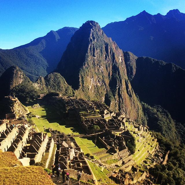 Machupicchu the magic place!!...we are ready to take you there..#valentinspachamamajouneys #foto #fotografia #machupicchu #cusco #peru #trip #adventuretime #igersperu #instapic #instagram #instagramers #inca #adventure #vacations #yoga #mountains