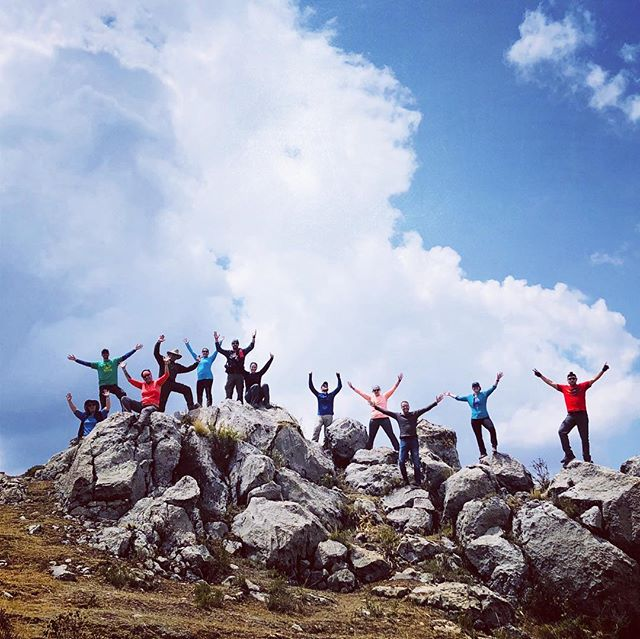 Explore the famous Andes!! Along the sacred valley #valentinspachamamajouneys #instatraveling #instapic #travel #cusco #peru #southamerica #southamericatrip #cusco #machupicchu #inka #pisac #igersperu #igerscusco #igers #foto #mountains