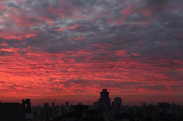 Instagram fue hecho para estos atardeceres 🌅 #nofilter #buenosaires #sunset