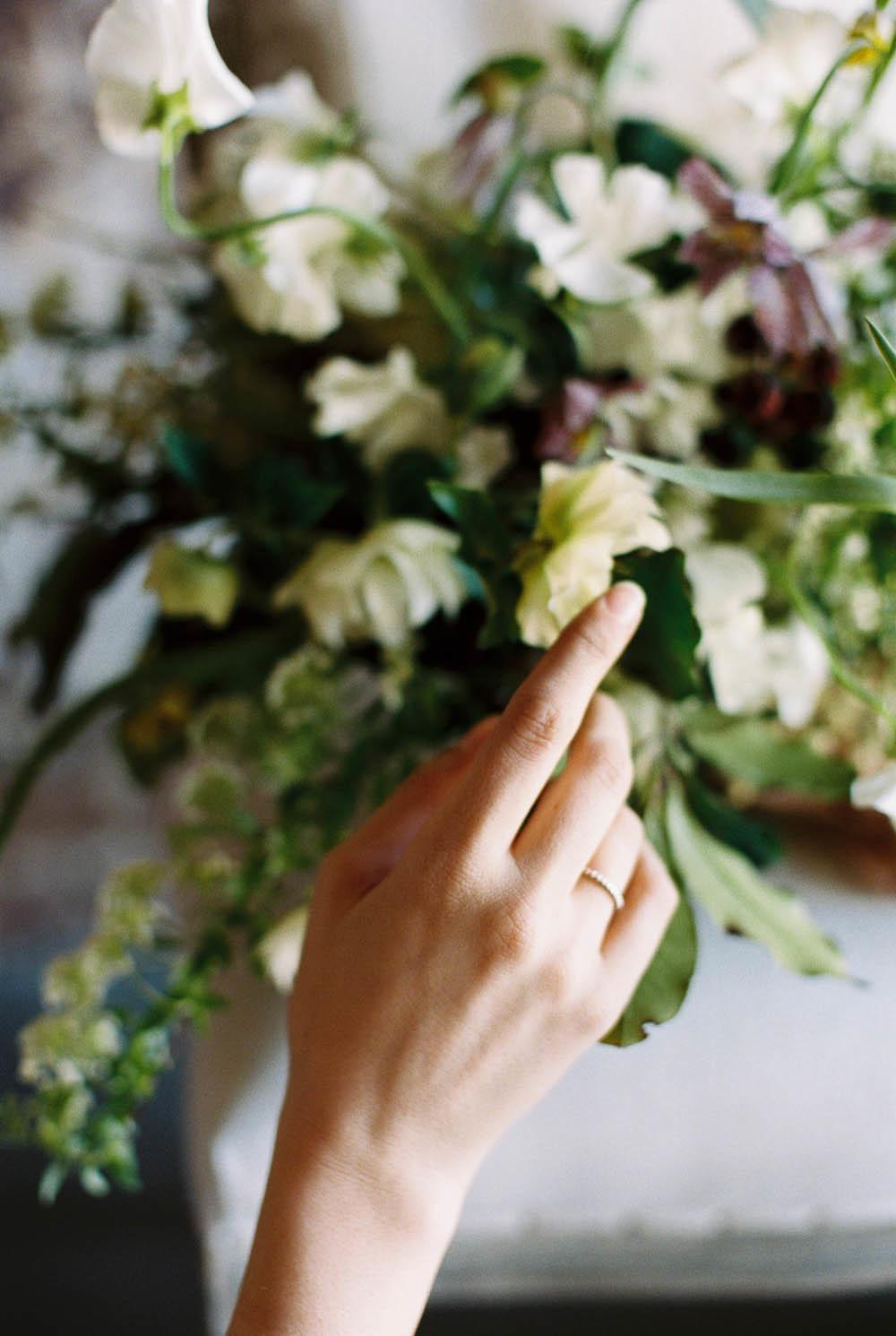 WEB_nashville_rainy_day_engagement_session_WEB_ginny_au_workshop_alabama_wedding_photojournalist_2015abigailbobophotography0001_1000.jpg