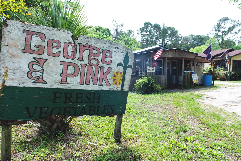 Sign and exterior of George & Pink's on Edisto Island, SC.