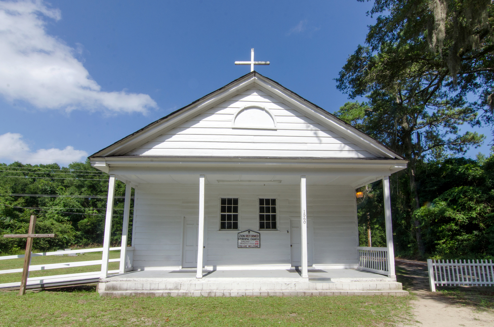 Zion Reform Episcopal Church  Hwy. 174 Edisto Island, SC 29438 843-753-2273 ______________________________  Worship Service—10:00am  Rev. Wiggins