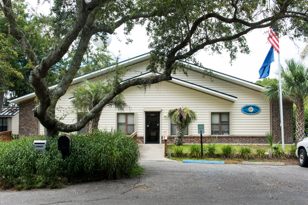 Exterior of Edisto Beach Town Hall.