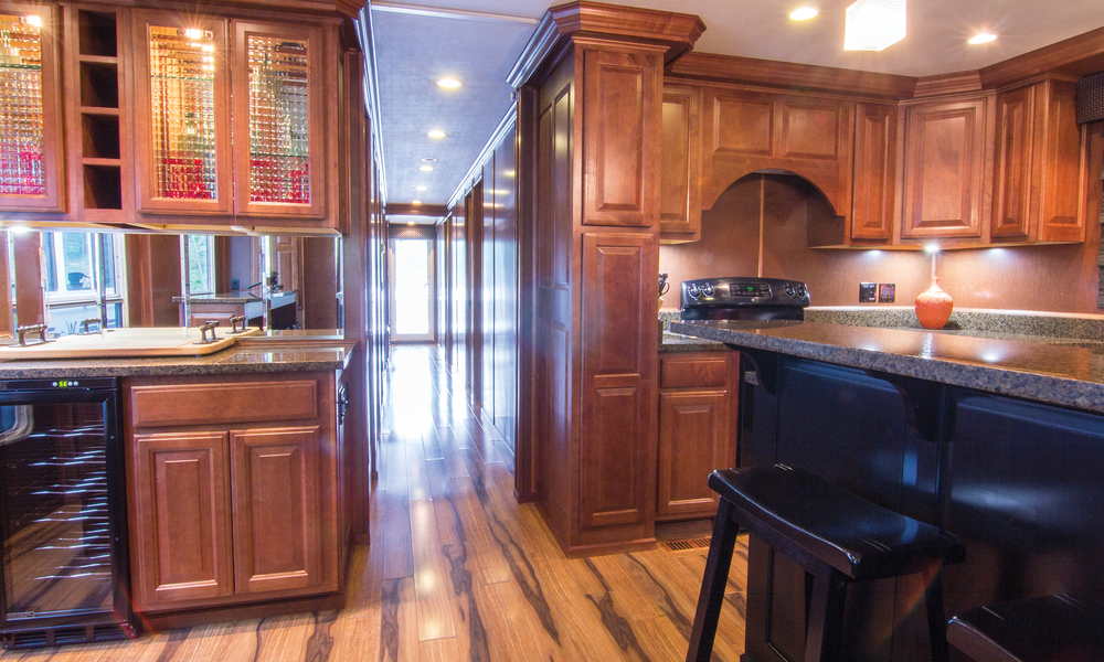 Shirley-Ann-Houseboat-Interior-2