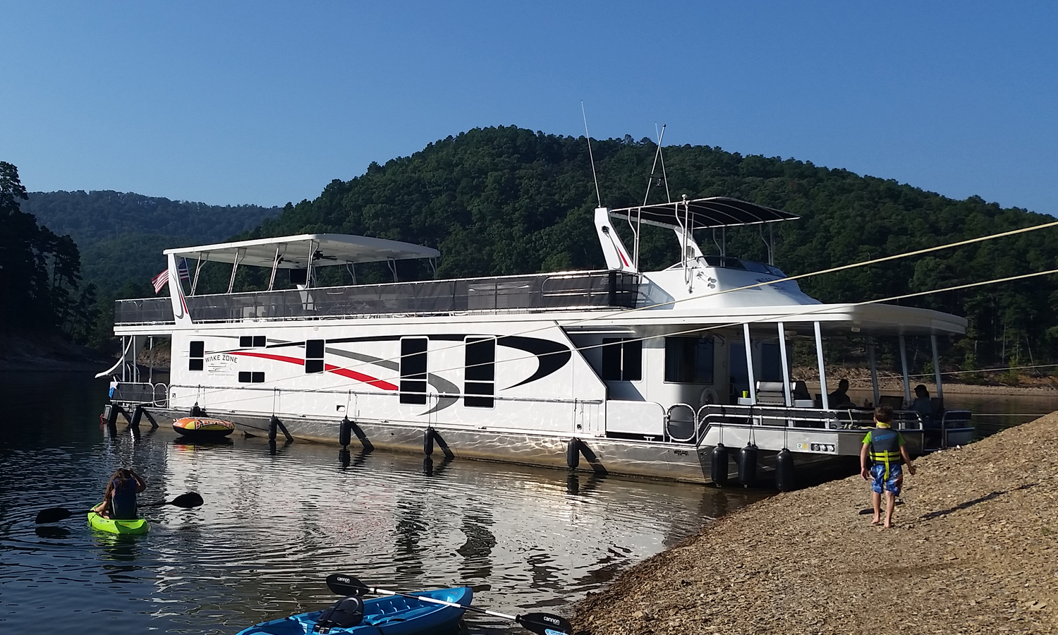 Pictures Of Houseboats Wake Zone Luxury Houseboat Rentals On Lake Ouachita