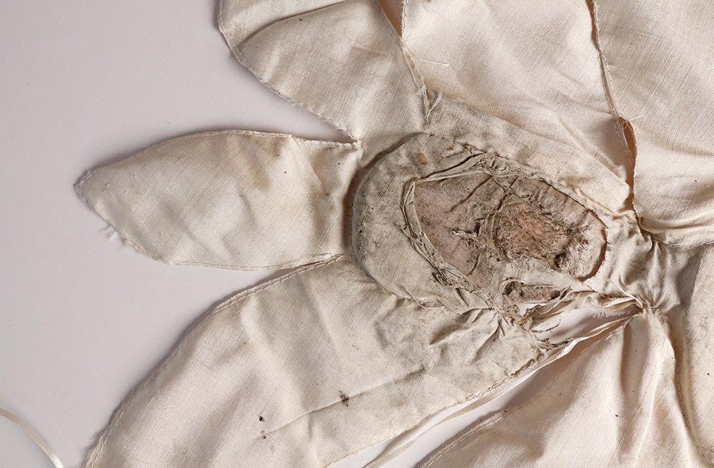 Ellen Sampson (2015) Cloth  (Photograph. Silk, gauze, copper leaf, leather shoes). Copyright 2016 Ellen Sampson.