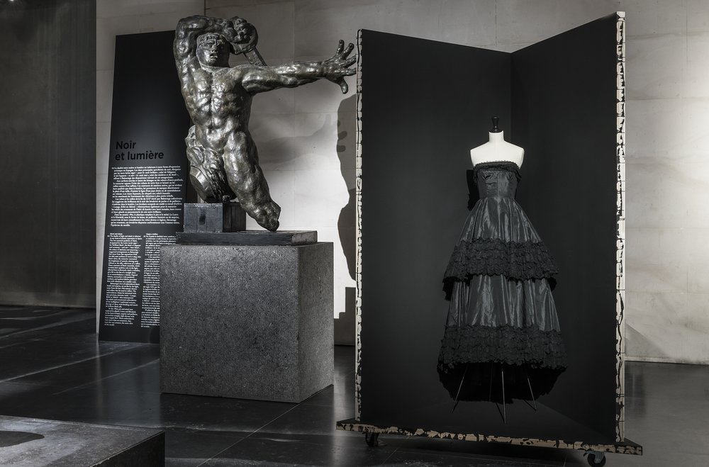 Balenciaga. Robe 1962. Copyright Julien Vidal/Galliera/Roger-Viollet.
