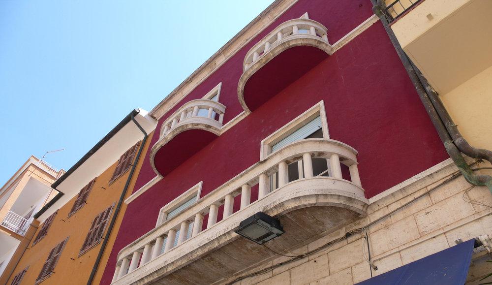 Exterior of Casini's workshop. Photograph by Federica Pischiutta.