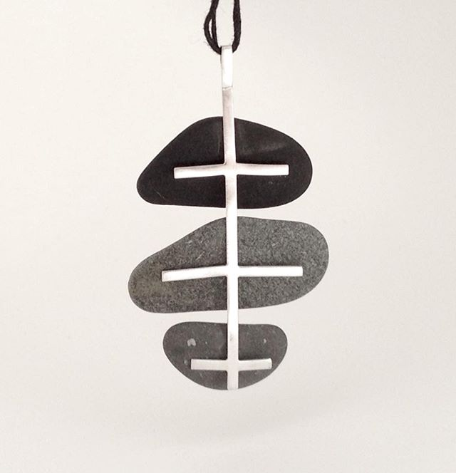 my version of a 1970's fish bone pendant! silver and rocks.