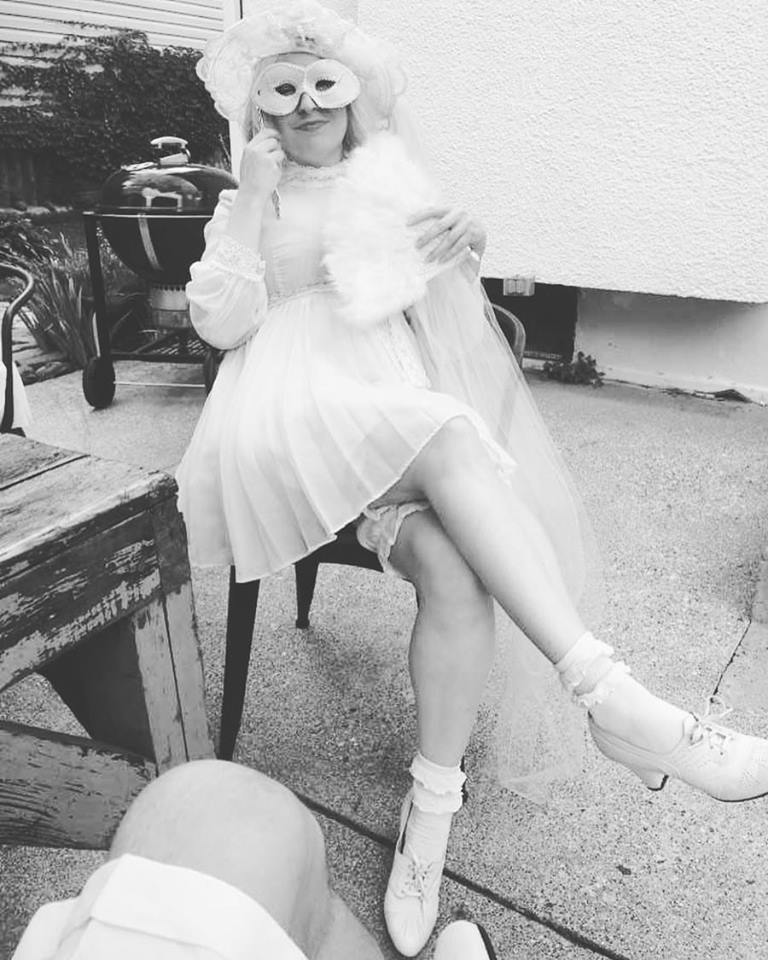 At Polo En Blanc in August 2017 in vintage dress and bloomers, plus vintage hat & shoes from the Golden Pearl Vintage