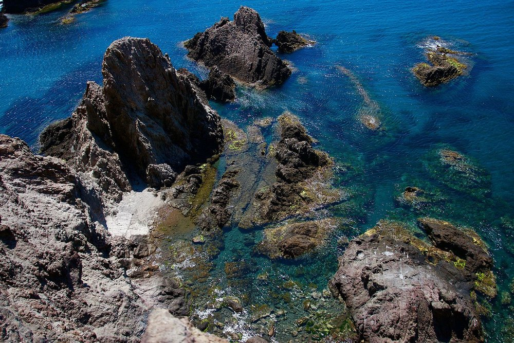 La_mar_del_Parque_natural_de_Cabo_de_Gata.jpg