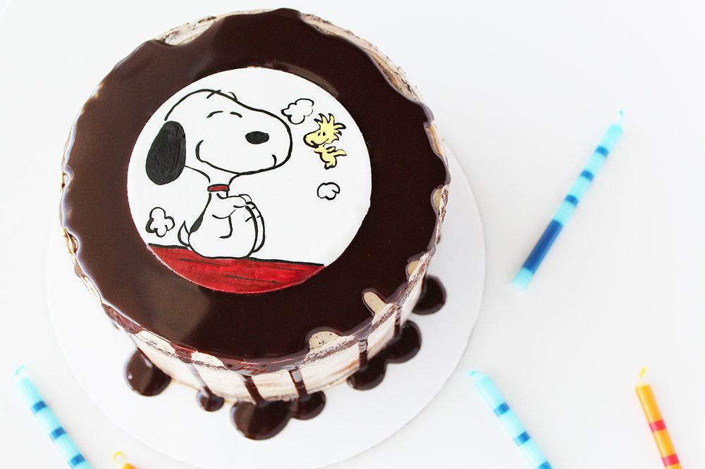 snoopy cake 1.jpg