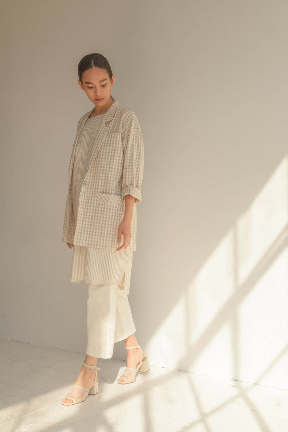 HouseDress_SS19_Lookbook_Look2_8300.jpg