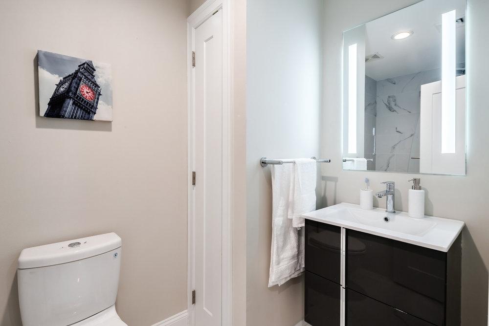 portico bathroom.jpg