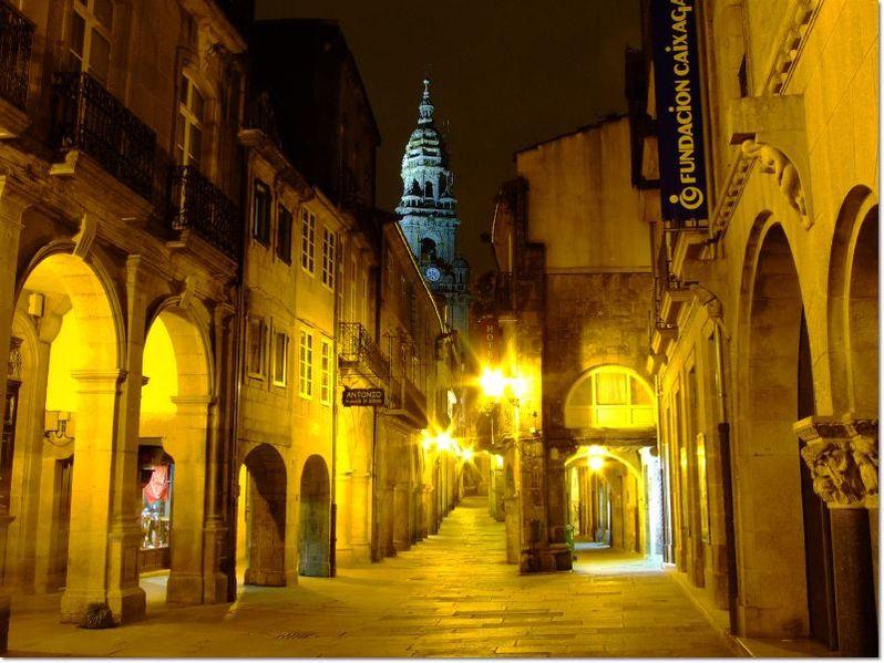798px-Rúa_do_Vilar,_Santiago_de_Compostela
