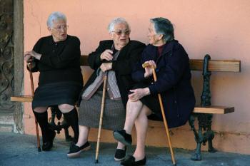 Old_Spanish_Women