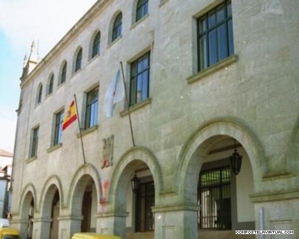 Correos Building, Santiago de Compostela.jpg
