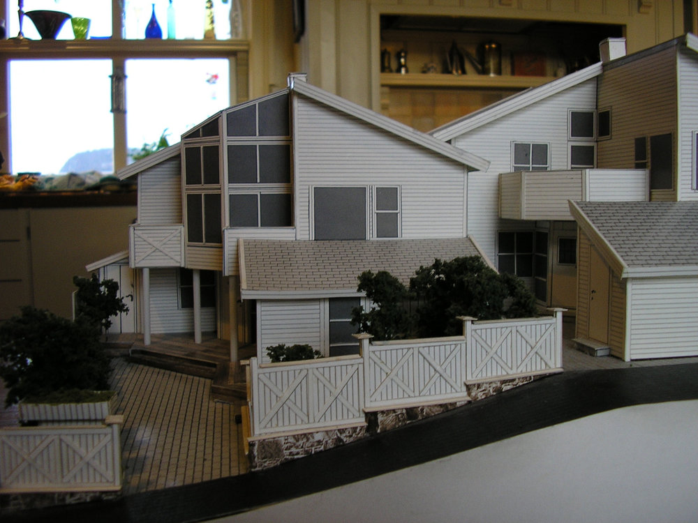 Model of home in Norway w/ sunspace addition