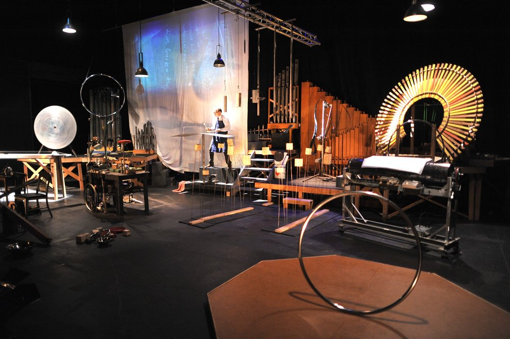 Pictured: Schick Machine Full Stage with Steven Schick playing The Bird in the Paul Dresher Ensemble production of Schick Machine. Photo by Chi Wang.