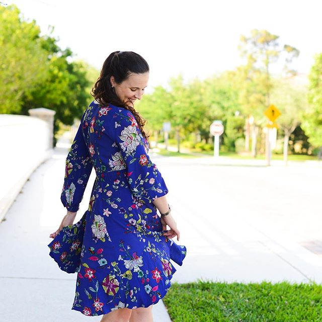 New post up on the blog sharing lots of Easter dress options! (Both maternity and non) 💕• • #shesjustmysister #easter #easterdresses #ootd #anthropologie #maternityfashion #25weeks