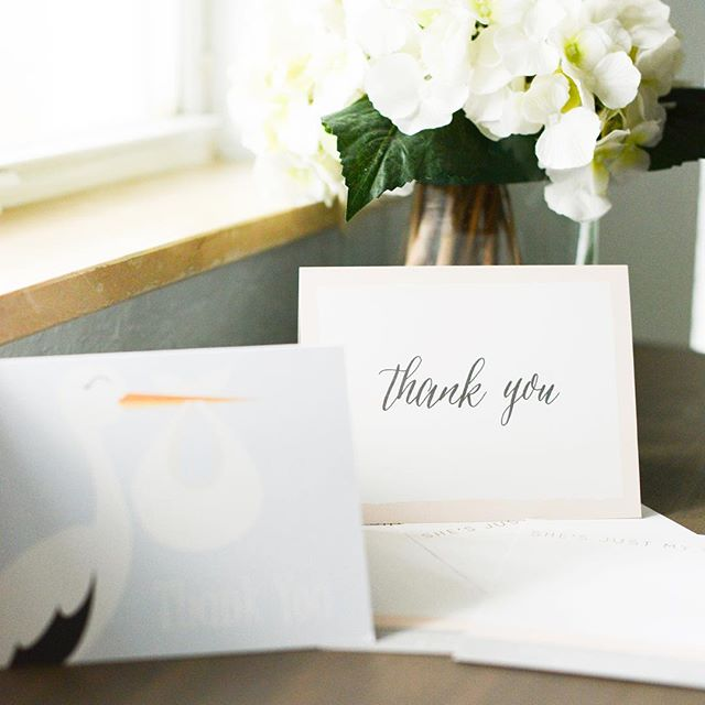 Good morning! Does anyone else have an obsession with amazing stationery?! We definitely do which is why we're so excited to share today's post with @basicinvite! Trust us- you definitely want to check it out 😍 ~link in bio~ #basicinvite #shesjustmysister #sponsored #stationeryaddict #blogger #thankyoucards
