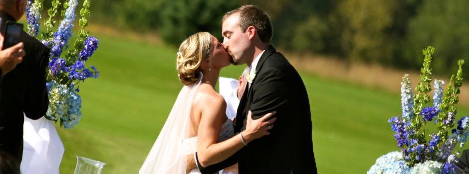 You may kiss the bride1.jpg