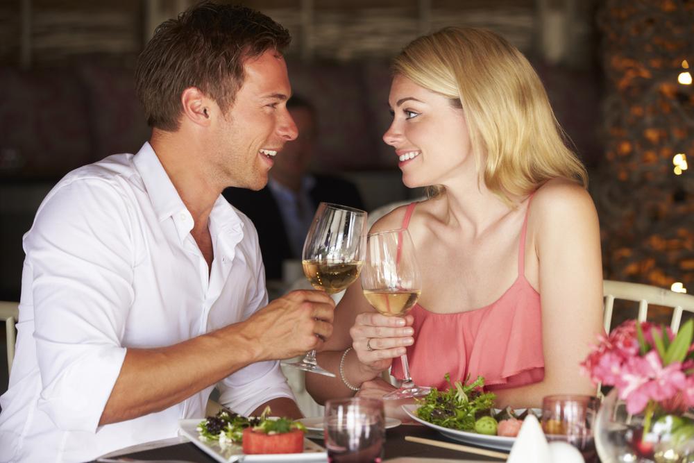 couple dining 3.jpg