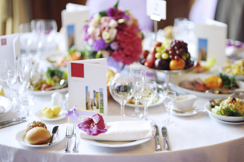 banquet table flowers.jpg