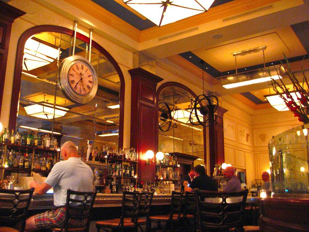 The bar at Bouchon