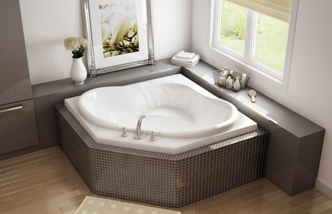 CORNER BATHTUB