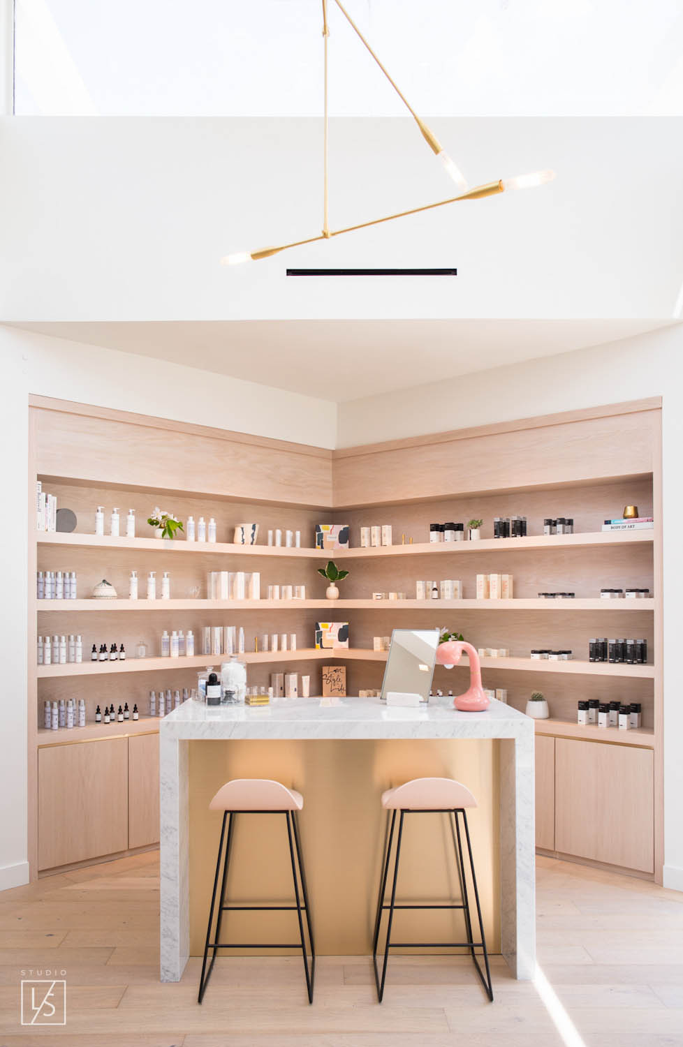 FacileWeho-Shelves-LifeStyle-Relth-14-web.jpg