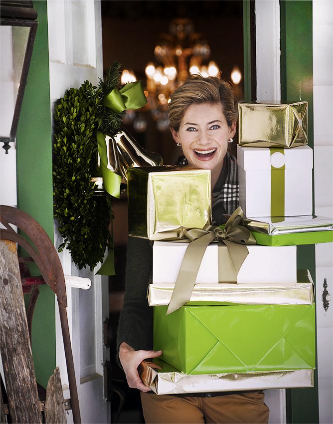 Lifestyle_presents-door.jpg
