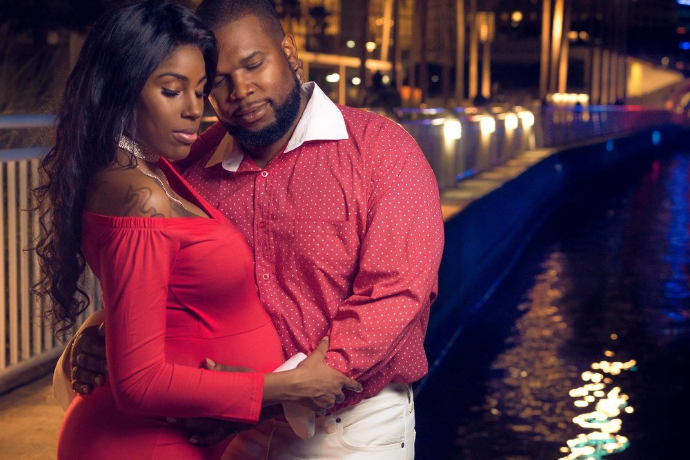 V-and-G-maternity-portrait-photoshoot-in-downtown-tampa-florida